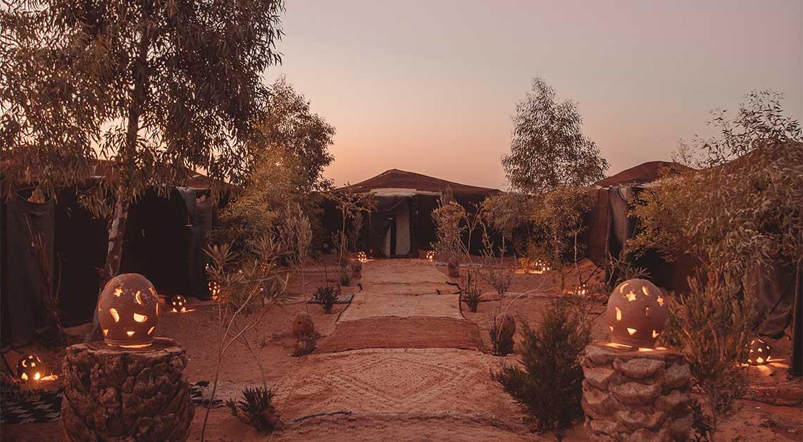 Campamento de lujo en el desierto del Sahara de Merzouga en Marruecos tiendas tradicionales nomadas y autenticas